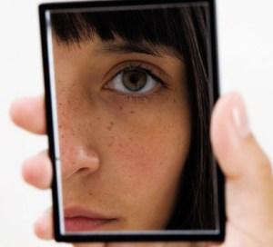 girl-looking-in-mirror-e1305836821929